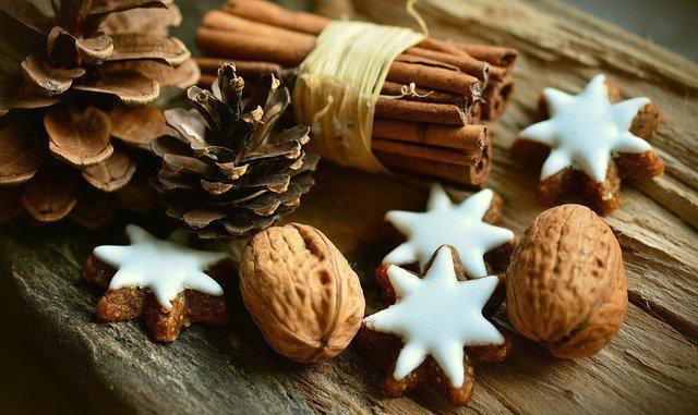 cinnamon-stars-2991174640